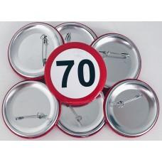 Broška s prometnim znakom za 70 let